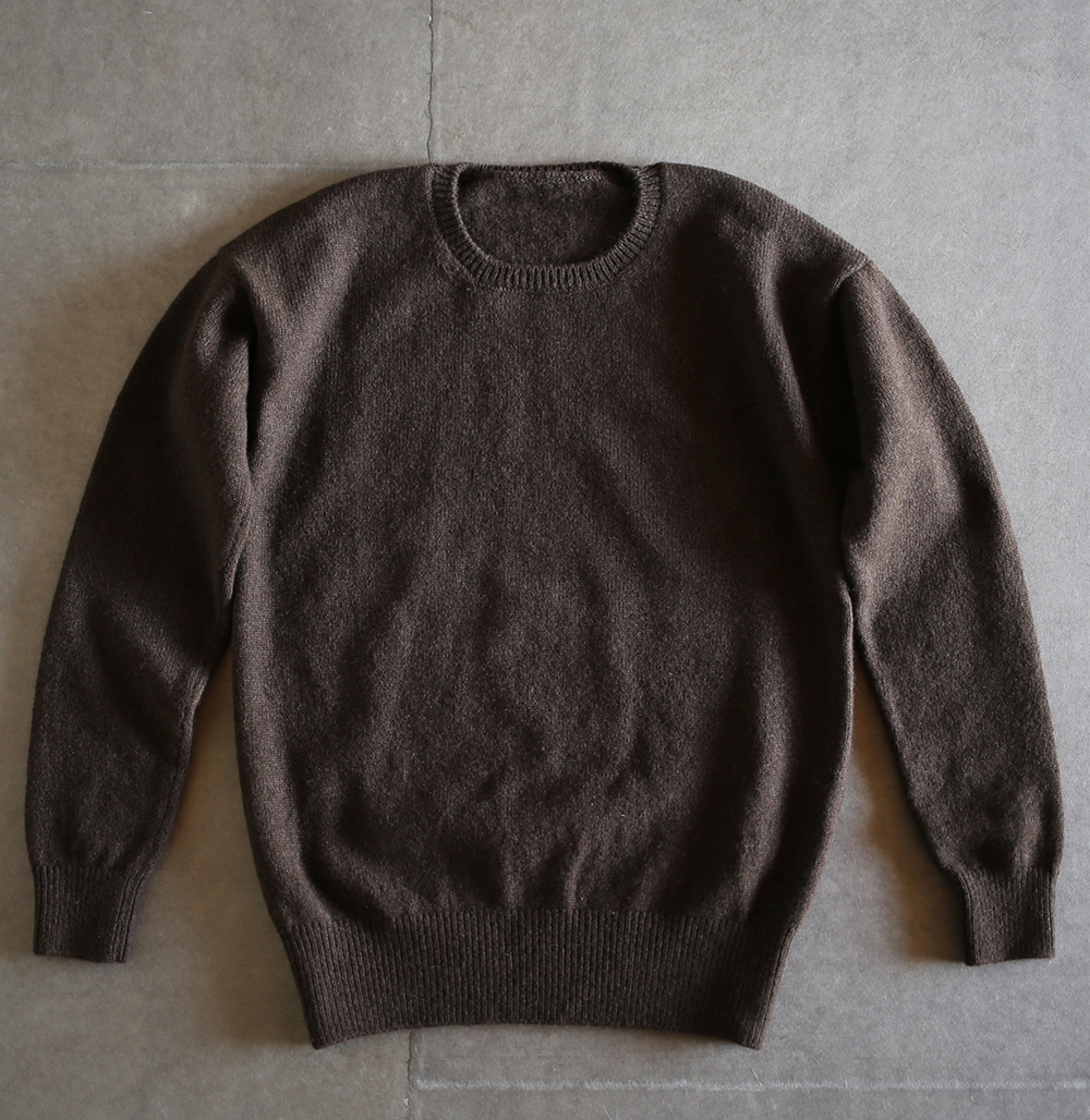 crew neck sweaterのイメージ