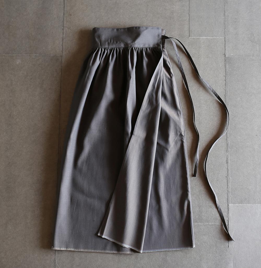 wraparound skirtのイメージ