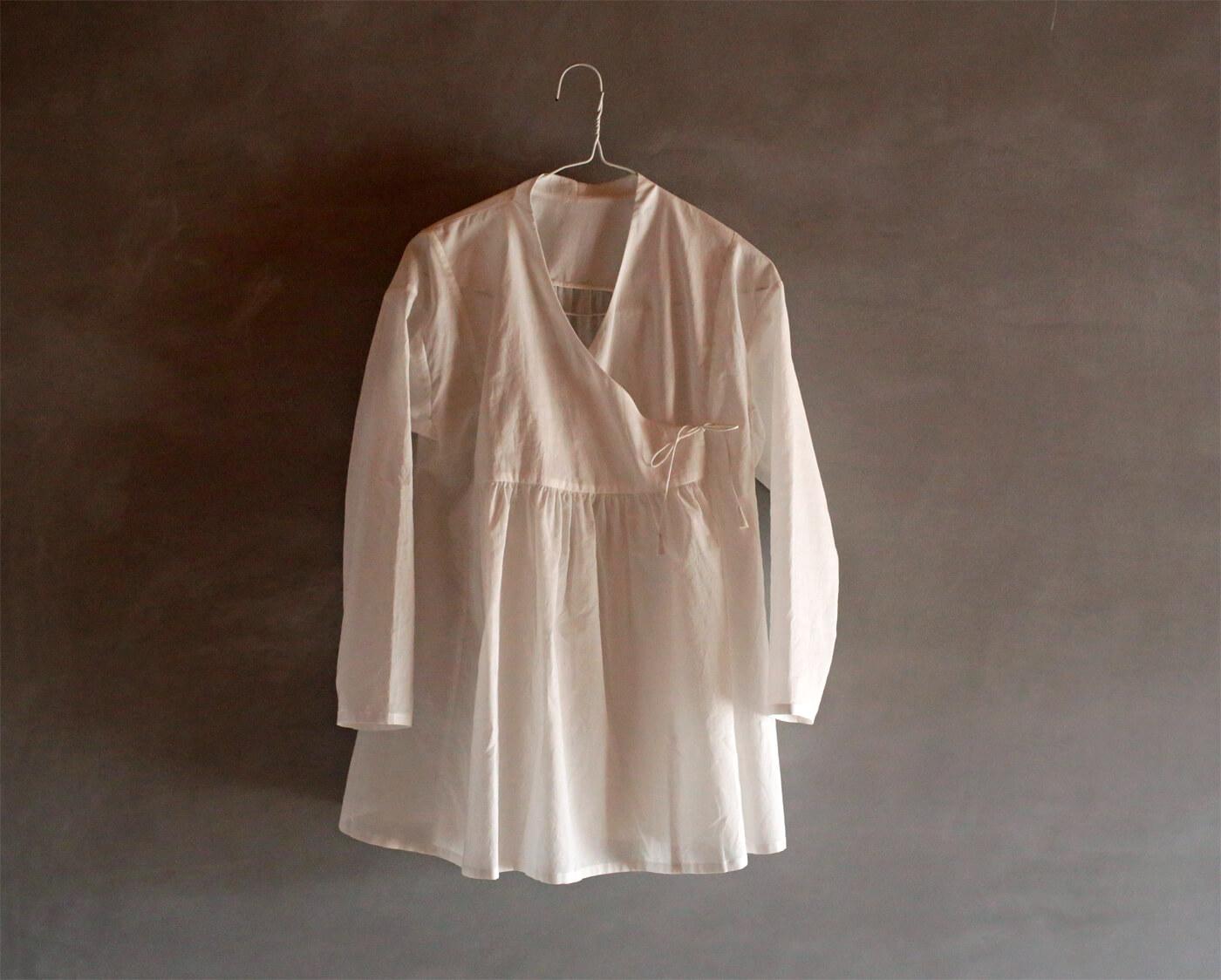 カシュクールシャツのアイキャッチ画像