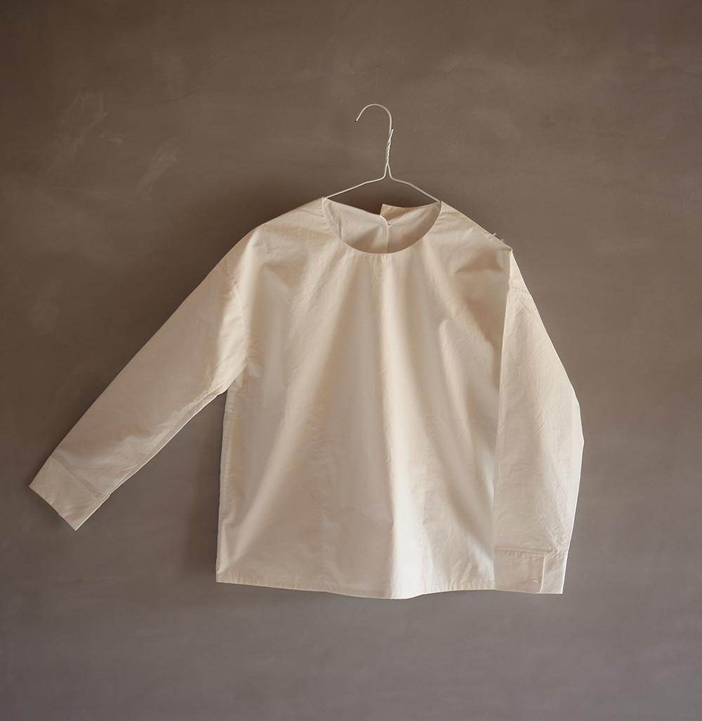 crew-neck shirtのイメージ