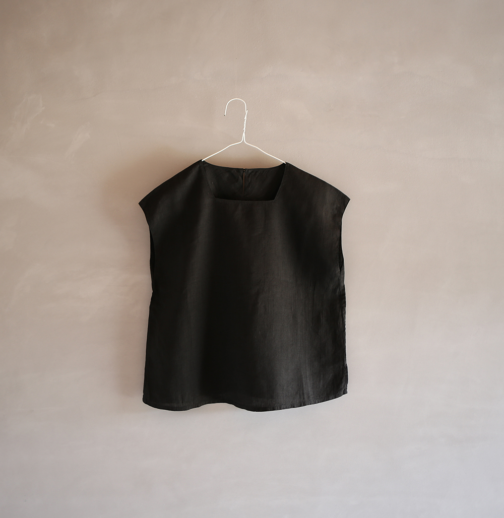 square neck shirtのイメージ